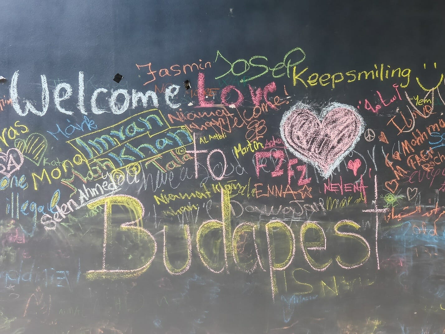 Hungarians tell refugees, welcome to Budapest