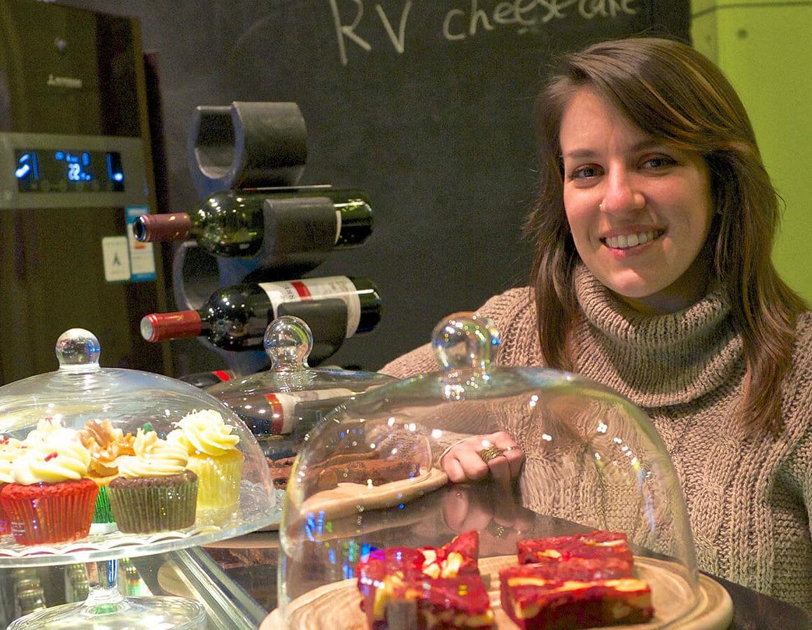 business-process-card-woman-bakery