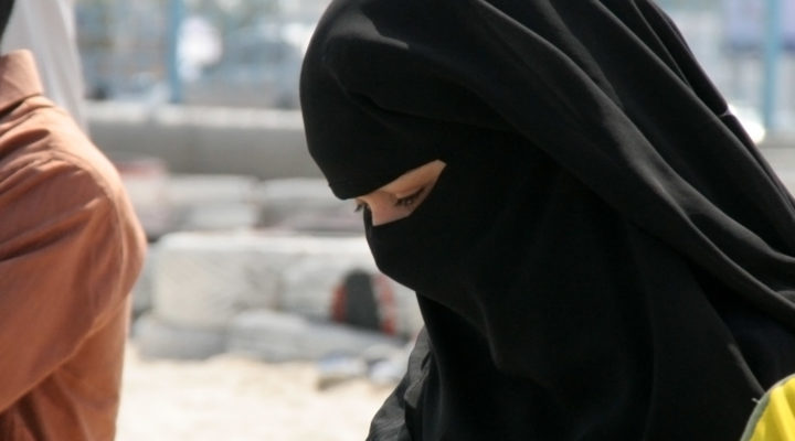 veiled-hearts-veiled-muslim-woman-arab-world