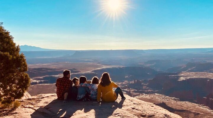 Family overlooking a large canyon - launch team