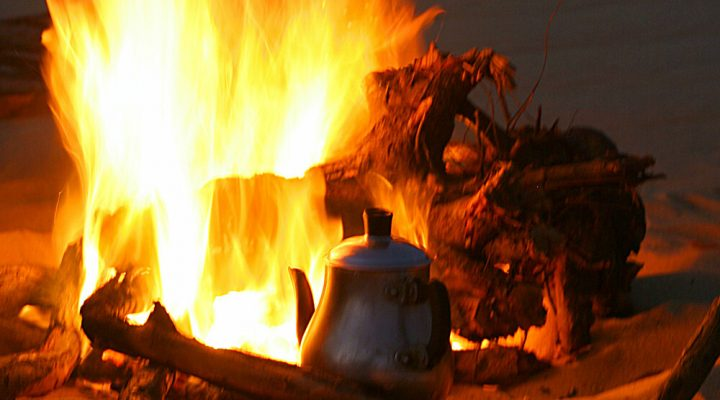storytelling with nomads - kettle on the fire